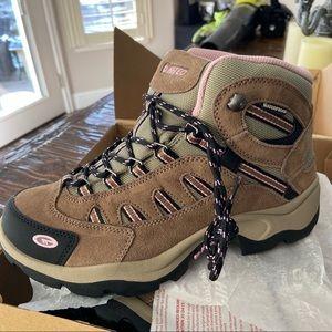 Hi tec waterproof hiking boots. NWT